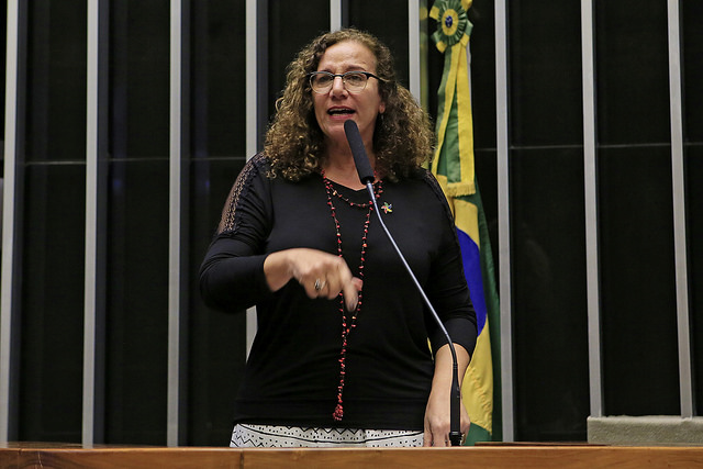 Jandira Feghali: Democracia, direitos e soberania nacional